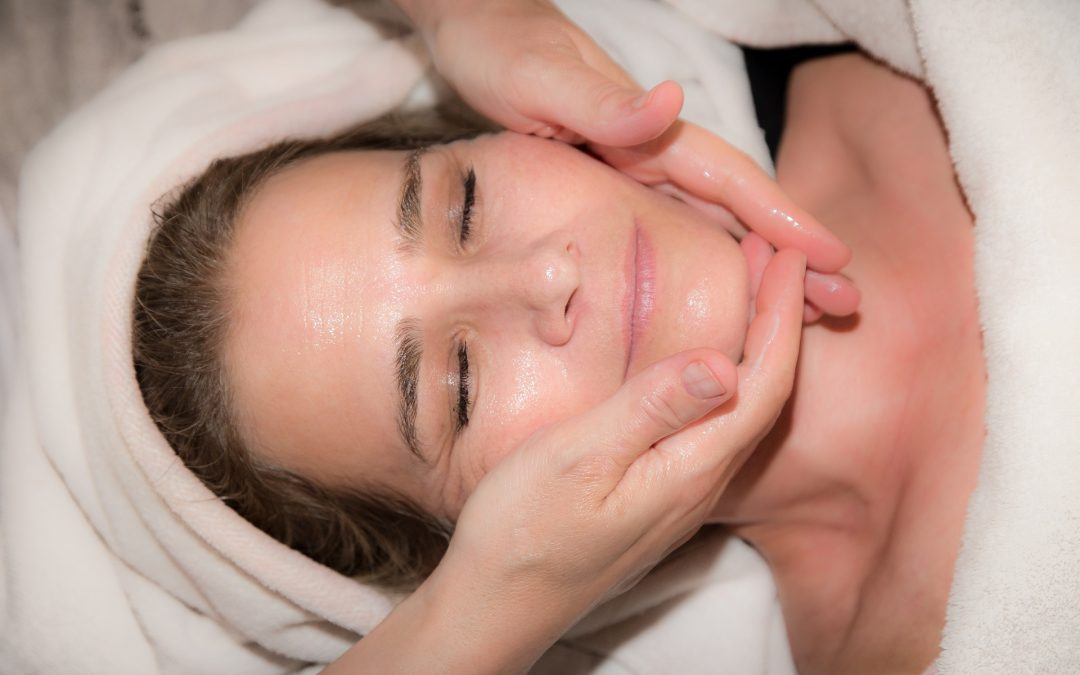 Quick Treatments to Regain Youthful Glowing Skin